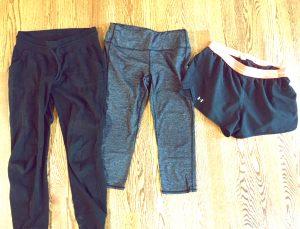 5 Mom Wardrobe Essentials www.herviewfromhome.com